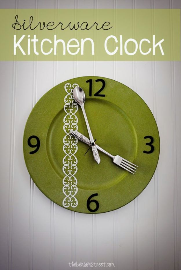 DIY Clocks - DIY Silverware Kitchen Clock - Easy and Cheap Home Decor Ideas and Crafts for Wall Clock - Cool Bedroom and Living Room Decor, Farmhouse and Modern
