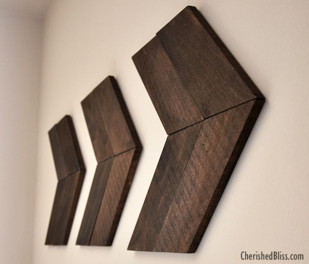 Easy Woodworking Projects - DIY Wooden Arrow - Cool DIY Wood Projects for Beginners - Easy Project Ideas and Plans for Homemade Gifts and Decor
