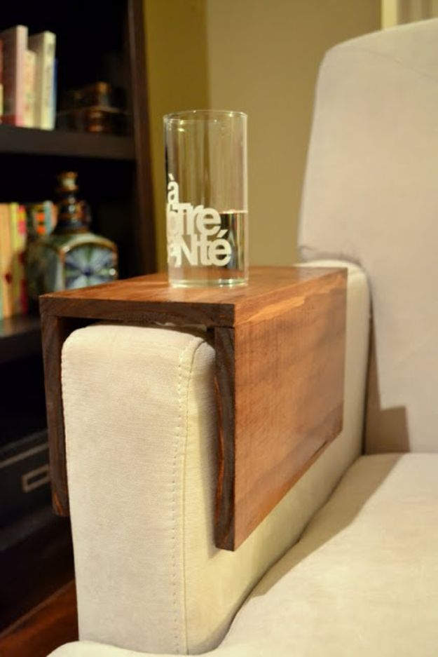 Easy Woodworking Projects - DIY Wooden Couch Sleeves - Cool DIY Wood Projects for Beginners - Easy Project Ideas and Plans for Homemade Gifts and Decor