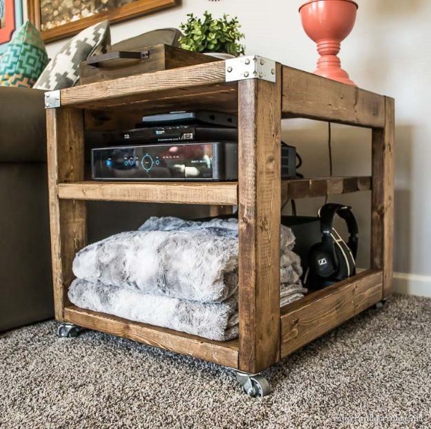 Easy Woodworking Projects - Farmhouse Industrial End Table - Cool DIY Wood Projects for Beginners - Easy Project Ideas and Plans for Homemade Gifts and Decor