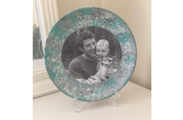 DIY Fathers Day Gifts - Father's Day Memory Craft – Photo Plate - Homemade Presents and Gift Ideas for Dad - Cute and Easy Things to Make For Father