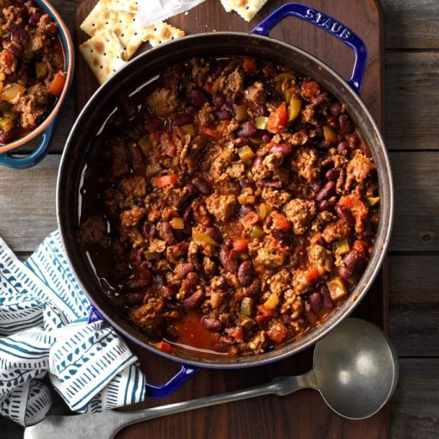 Dutch Oven Recipes - Firehouse Chili - Easy Ideas for Cooking in Dutch Ovens - Soups, Stews, Chicken Dishes, One Pot Meals and Recipe Ideas to Slow Cook for Easy Weeknight Meals