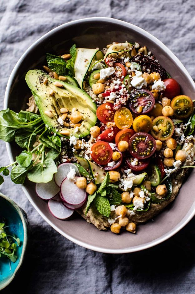 Quinoa Recipes - Loaded Greek Quinoa Salad - Easy Salads, Side Dishes and Healthy Recipe Ideas Made With Quinoa - Vegetable and Grain To Serve For Lunch, Dinner and Snack
