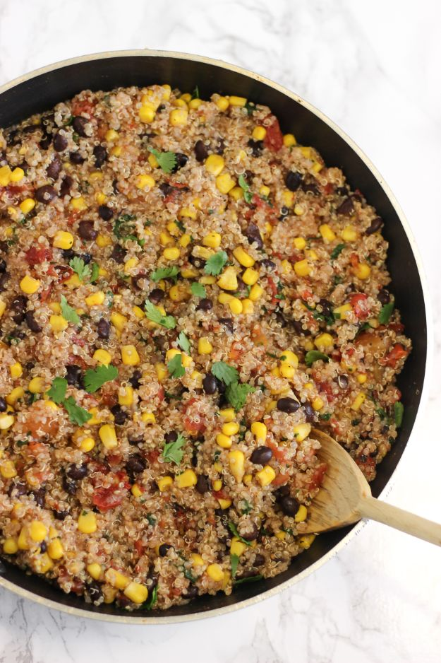 Quinoa Recipes - One Pan Mexican Quinoa - Easy Salads, Side Dishes and Healthy Recipe Ideas Made With Quinoa - Vegetable and Grain To Serve For Lunch, Dinner and Snack