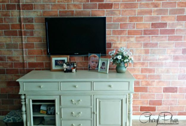 DIY Faux Finishes for Walls - Paint Faux Brick - Step by Step Tutorials for Do It Yourself Faux Finish Wall Textures - Rustic, Colour, Tuscan Style, Simple Metallic, Sponge Painting Techniques, Roller and Drag Texture