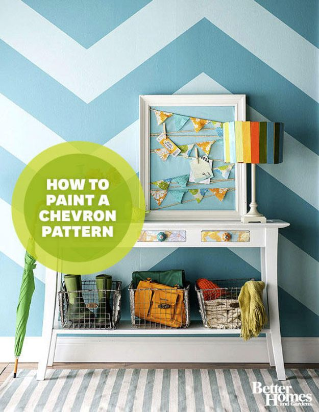 DIY Faux Finishes for Walls - Paint a Chevron Pattern - Step by Step Tutorials for Do It Yourself Faux Finish Wall Textures - Rustic, Colour, Tuscan Style, Simple Metallic, Sponge Painting Techniques, Roller and Drag Texture