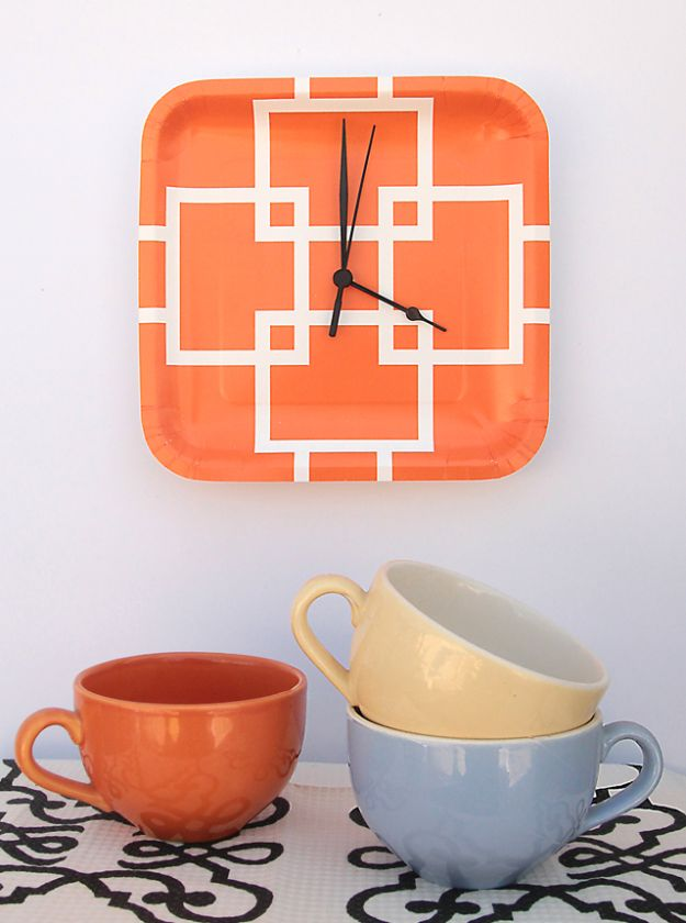 DIY Clocks - Paper Plate Clock in 5 Minutes - Easy and Cheap Home Decor Ideas and Crafts for Wall Clock - Cool Bedroom and Living Room Decor, Farmhouse and Modern