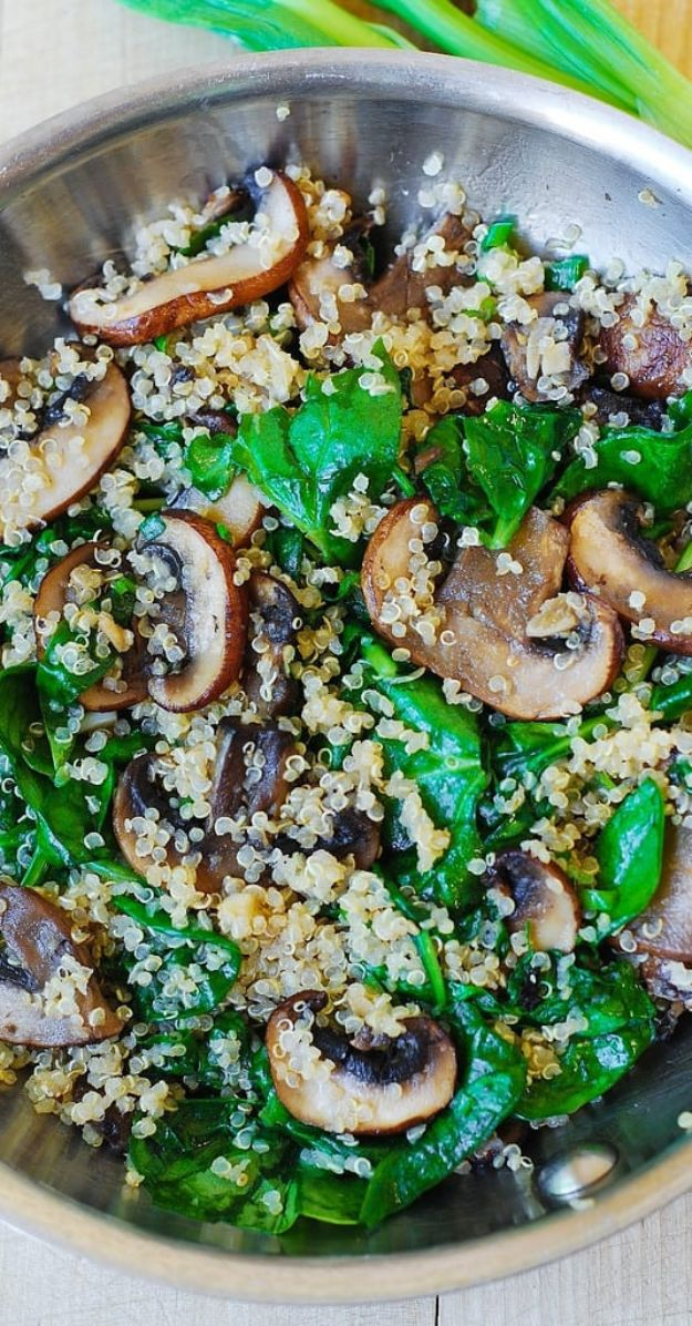 Quinoa Recipes - Spinach and Mushroom Quinoa - Easy Salads, Side Dishes and Healthy Recipe Ideas Made With Quinoa - Vegetable and Grain To Serve For Lunch, Dinner and Snack