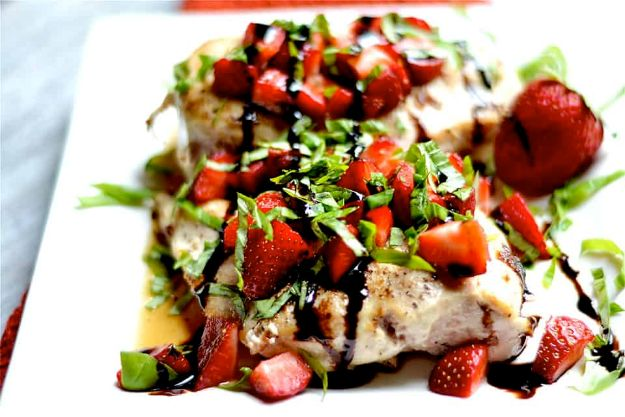 Best Strawberry Recipes - Strawberry Basil Chicken - Easy Recipe Ideas With Fresh Strawberries - Dessert, Cakes, Breakfast, Muffins, Pie, Salad