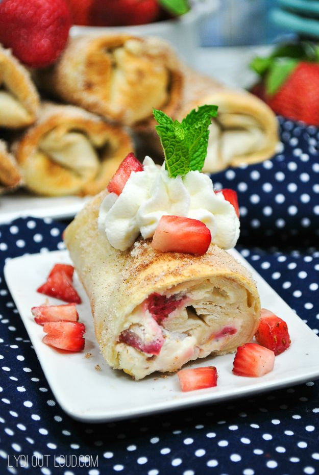 Best Strawberry Recipes - Strawberry Cheesecake Chimichanga - Easy Recipe Ideas With Fresh Strawberries - Dessert, Cakes, Breakfast, Muffins, Pie, Salad