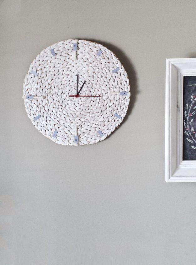 DIY Clocks - Turn a Placemat To a Minimalist Wall Clock - Easy and Cheap Home Decor Ideas and Crafts for Wall Clock - Cool Bedroom and Living Room Decor, Farmhouse and Modern