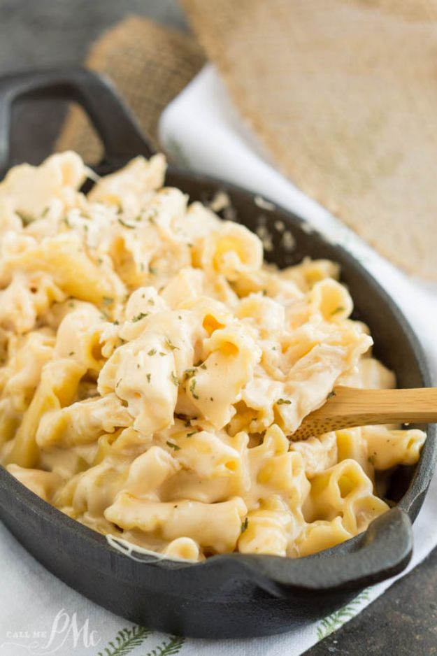 Mac and Cheese Recipes | Copycat Cracker Barrel Restaurant Mac and Cheese - Easy Recipe Ideas for Macaroni and Cheese - Quick Side Dishes