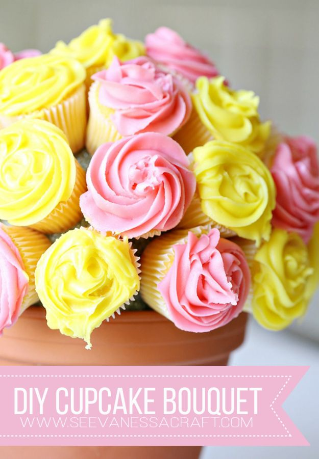 Easy Mothers Day Gifts - DIY Flower Cupcake Bouquet - Cute Crafts and Homemade Presents for Mom | Thoughtful Gift Ideas to Make For Mother