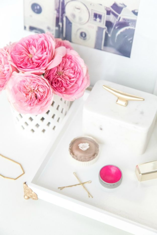DIY Vanity Trays - DIY Personalized Vanity Tray - Easy Homemade Decor for Bathroom, Bedroom and Vanities - Tray to Store Jewelry and Accessories With These Cool and Easy Crafts