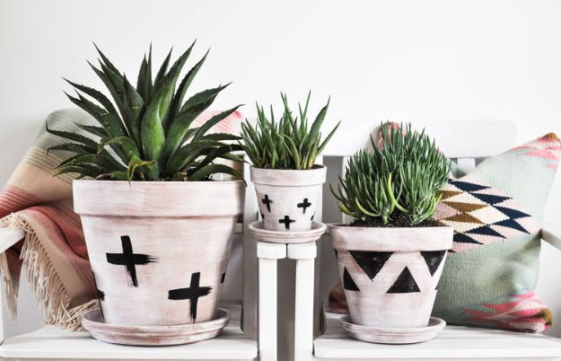 DIY Ideas for Clay Pots - DIY Whitewashed Terra Cotta Pots - Cute Gardening Projects Tutorials for Decorating Pots - Pretty Rustic and Farmhouse Planters for Cheap Home Decor