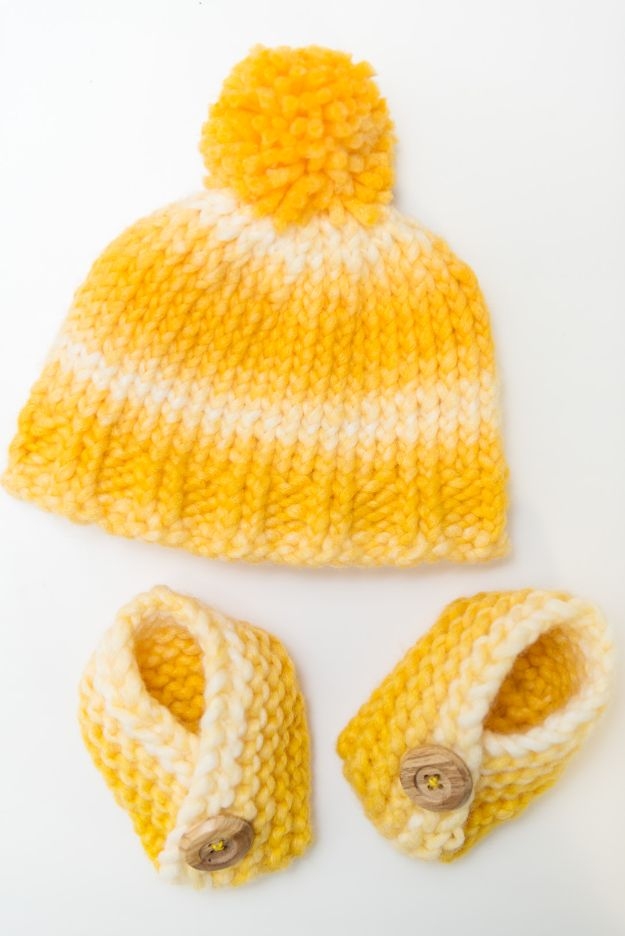 DIY Knitting Ideas for Baby - Knit Baby Hat and Booties - Easy Blanket, Hat, Booties, Toys and Sweater Tutorials to Knit for Babies - Boy and Girl Clothes and Nursery Decor for Gifts