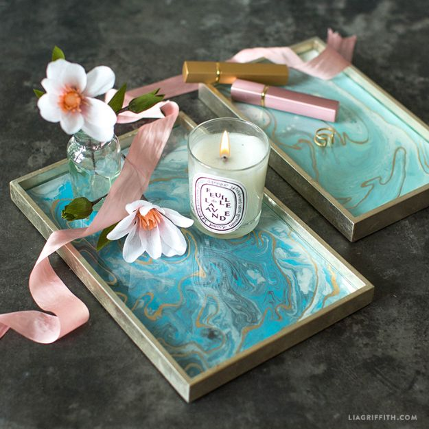DIY Vanity Trays - Marbled Vanity Trays - Easy Homemade Decor for Bathroom, Bedroom and Vanities - Tray to Store Jewelry and Accessories With These Cool and Easy Crafts