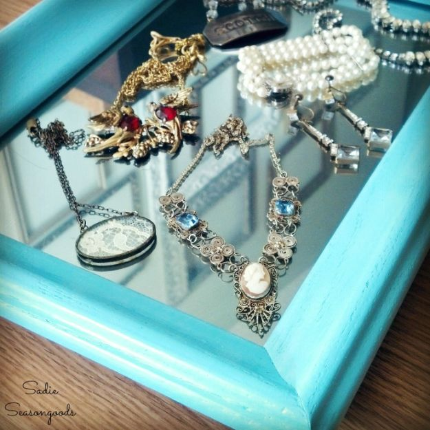 DIY Vanity Trays - Mirrored Vanity Tray from Wooden Picture Frames - Easy Homemade Decor for Bathroom, Bedroom and Vanities - Tray to Store Jewelry and Accessories With These Cool and Easy Crafts