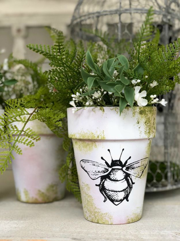 DIY Ideas for Clay Pots - Moss Covered Clay Pots - Cute Gardening Projects Tutorials for Decorating Pots - Pretty Rustic and Farmhouse Planters for Cheap Home Decor