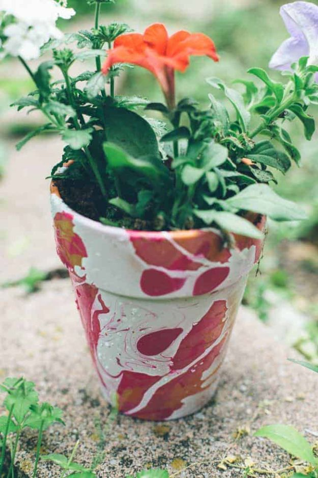 DIY Ideas for Clay Pots - Nail Polish Marbled DIY Planters - Cute Gardening Projects Tutorials for Decorating Pots - Pretty Rustic and Farmhouse Planters for Cheap Home Decor