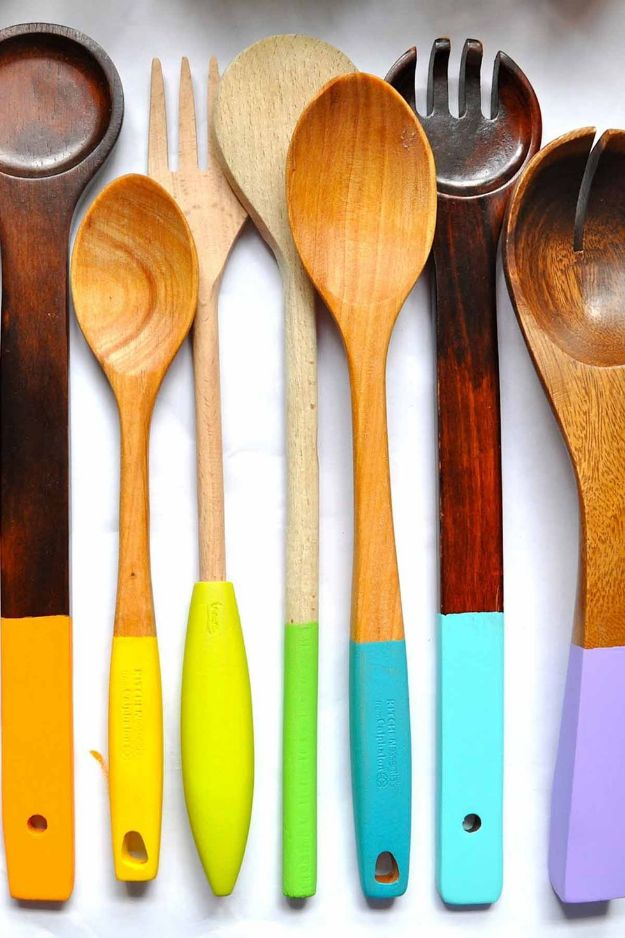 Easy Mothers Day Gifts - Painted Wooden Spoons - Cute Crafts and Homemade Presents for Mom | Thoughtful Gift Ideas to Make For Mother