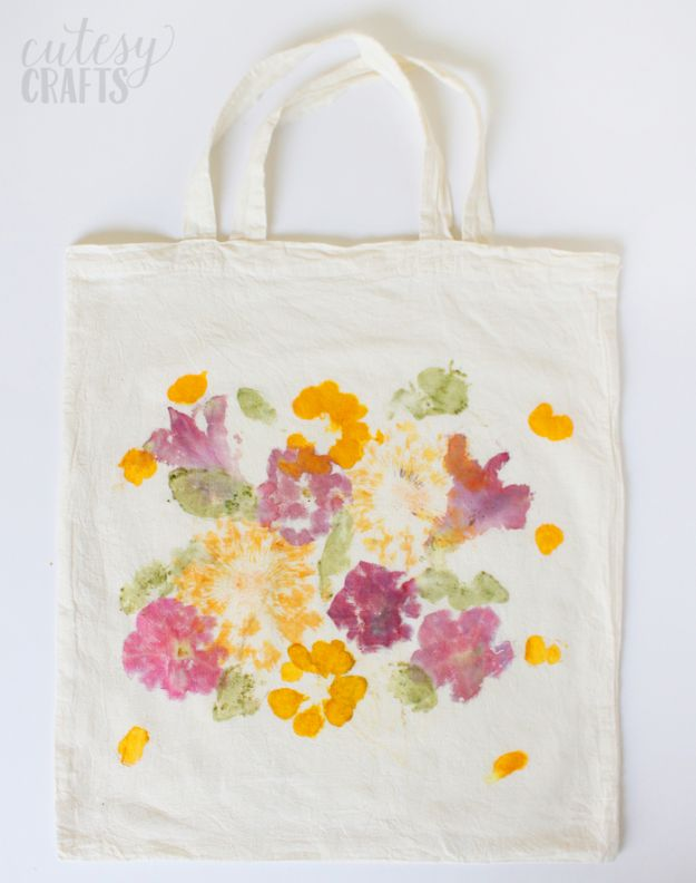 Easy Mothers Day Gifts - Pounded Flower Tote Bag - Cute Crafts and Homemade Presents for Mom | Thoughtful Gift Ideas to Make For Mother