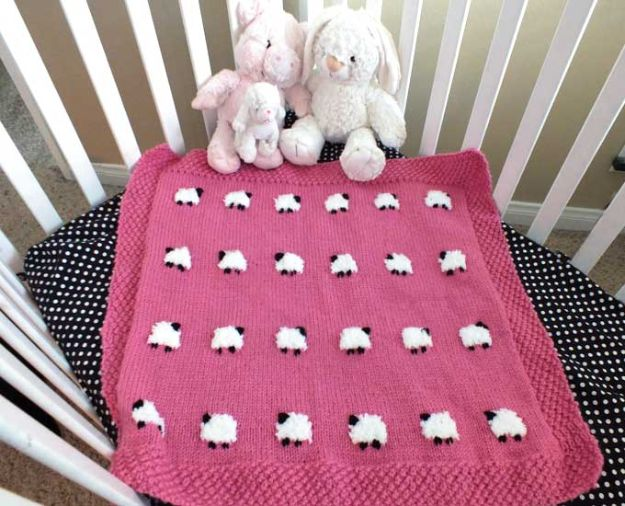 DIY Knitting Ideas for Baby - Sheep Baby Blanket - Easy Blanket, Hat, Booties, Toys and Sweater Tutorials to Knit for Babies - Boy and Girl Clothes and Nursery Decor for Gifts