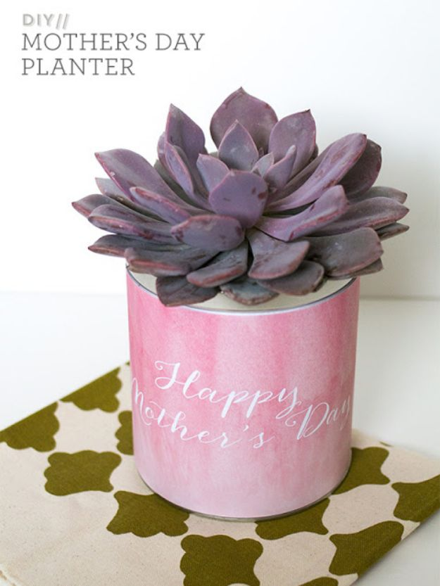 Easy Mothers Day Gifts - Simple DIY Mother's Day Planter - Cute Crafts and Homemade Presents for Mom | Thoughtful Gift Ideas to Make For Mother