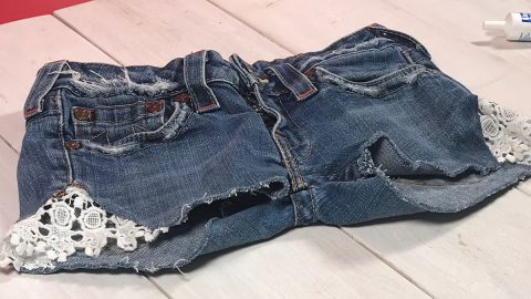 The Cutest Thing You Can Make With Old Jeans Just May Be These Shorts | DIY Joy Projects and Crafts Ideas