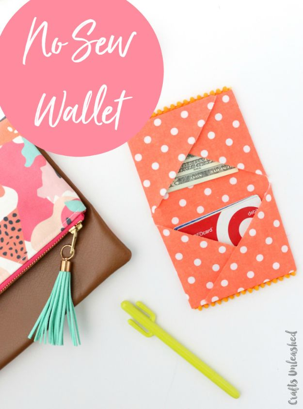 No Sew Gifts to Make - Easy DIY Christmas Presents -DIY No Sew Fabric Wallet