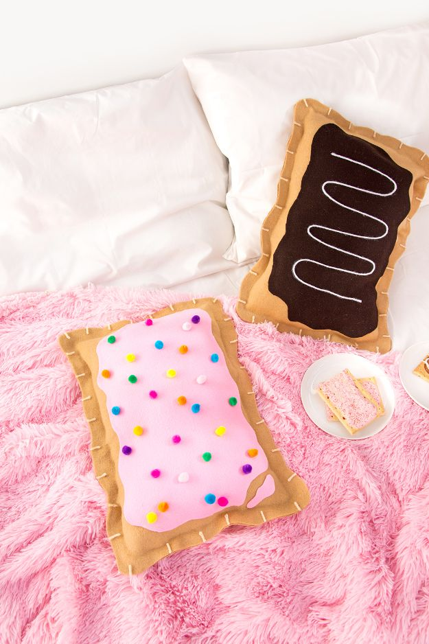 No Sew Gift Ideas - Quick Last Minute Holiday Gifts for Her - DIY No-Sew Pop Tart Pillow