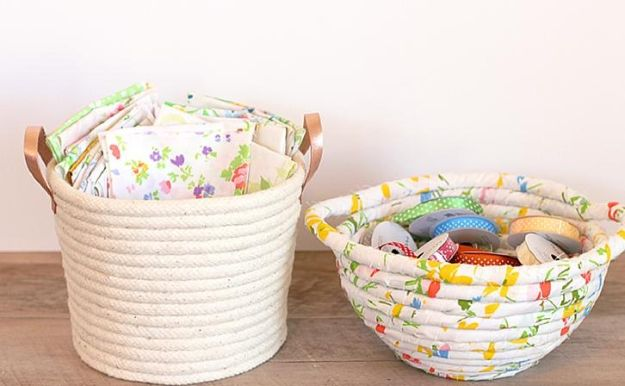 No Sew Gift Ideas - Quick Last Minute Holiday Gifts for Her - DIY No Sew Rope Baskets