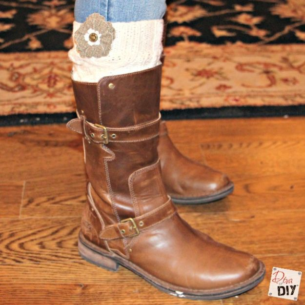 No Sew Gift Ideas - Quick Last Minute Holiday Gifts for Her -No Sew Boot Socks
