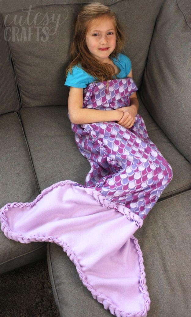 No Sew Gifts to Make - Easy DIY Christmas Presents -No-Sew Fleece Mermaid Tail Blanket
