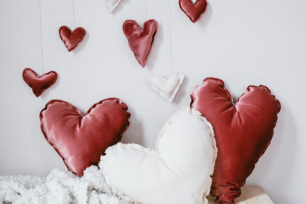 No Sew Heart Pillows