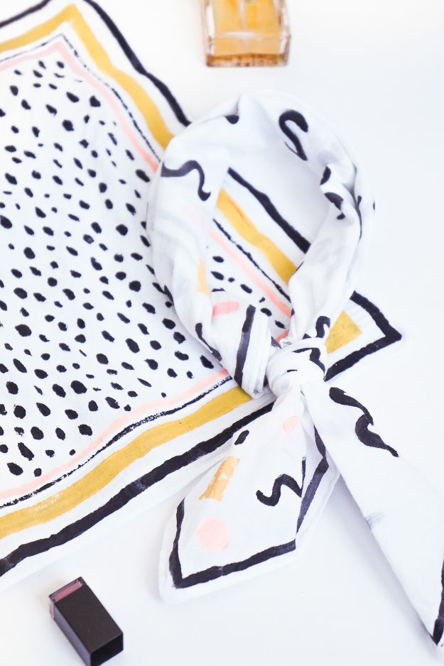 No Sew Gifts to Make - Easy DIY Christmas Presents -Patterned DIY No-Sew Neckerchief
