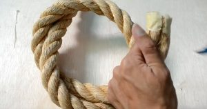 Using Only This Piece Of Rope, You Can Make A Cool Homemade Farmhouse Light