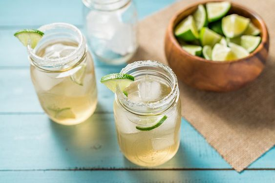 Margarita Recipes - Perfect Fresh Margarita - Drink Recipes for a Party - Recipe Ideas for Blender Margaritas - Lime, Strawberry, Fruit | Easy Drinks With Tequila