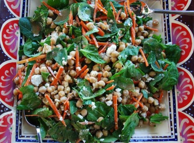 Celebrity Inspired Recipes - Julia Robert's Summer Salad Recipe - Healthy Dinners, Pies, Sweets and Desserts, Cooking for Families and Holidays - Crock Pot Treats