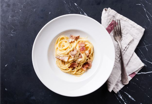 Celebrity Inspired Recipes - Tom Cruise's Spaghetti Carbonara - Healthy Dinners, Pies, Sweets and Desserts, Cooking for Families and Holidays - Crock Pot Treats