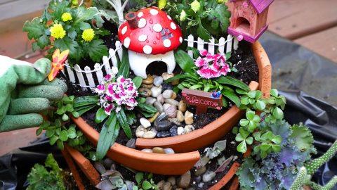 DIY Broken Pot Fairy Garden   DIY Joy Projects and Crafts Ideas