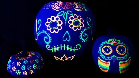 How to Make Glow In The Dark Pumpkins | DIY Joy Projects and Crafts Ideas