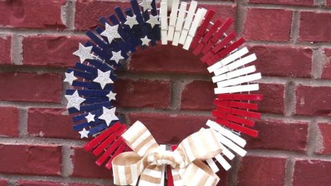 Dollar Store DIY: Patriotic Clothespin Wreath | DIY Joy Projects and Crafts Ideas