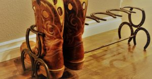 DIY Horseshoe Boot Rack