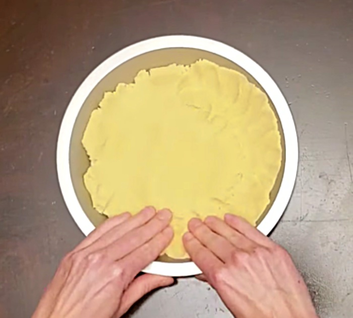 Learn to make easy organic keto pumpkin pie recipe