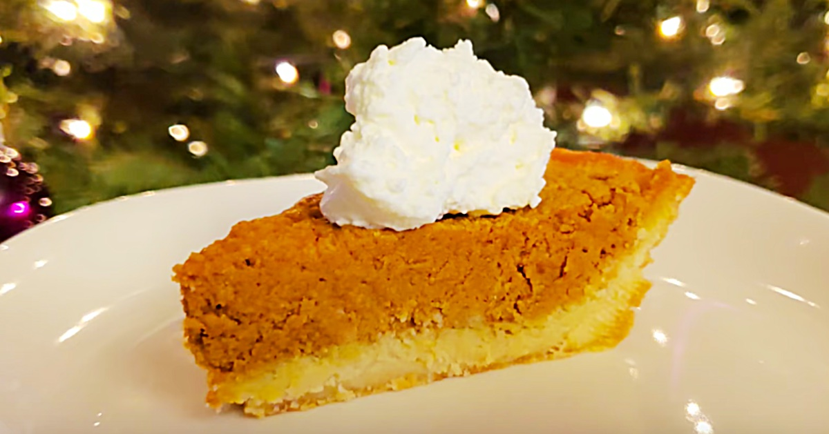 Learn to make easy keto pumpkin pie this Thanksgiving