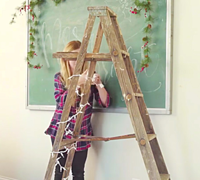 Make an easy cheap DIY Ladder Tree for your rustic farmhouse decor