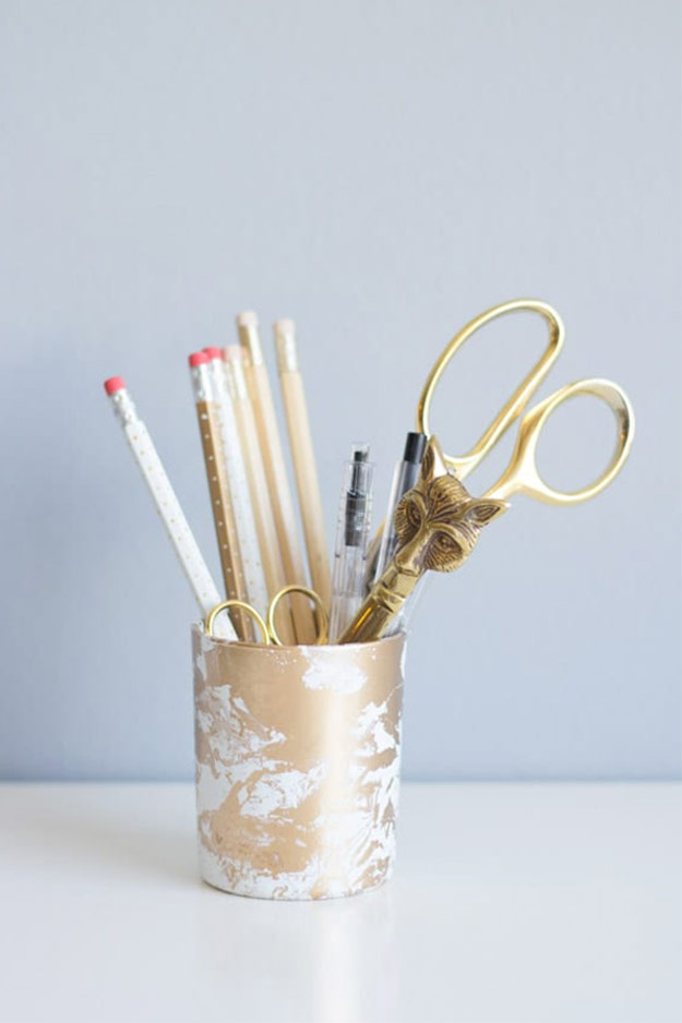 Easy Things to Make and Sell - Simple and Cheap Craft Ideas to Make and Sell for Money - Creative Top Selling DIY Ideas - Gold Marbled Pencil Cup Tutorial