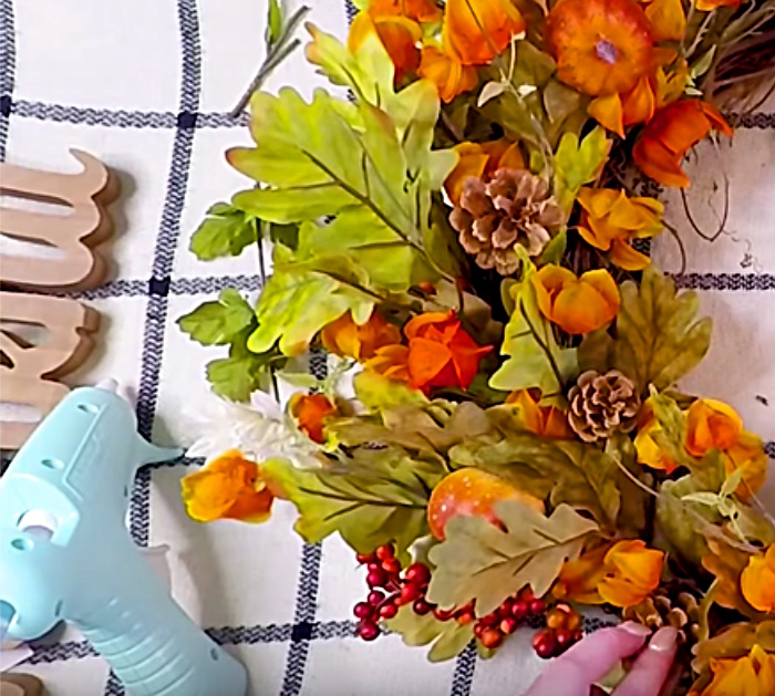 Make a DIY Michael's Craft Store Wreath