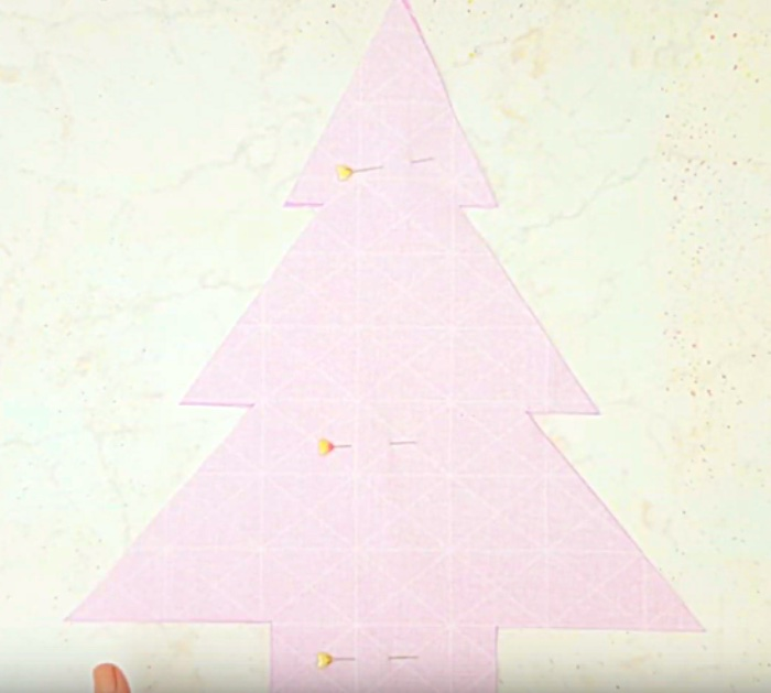Sew A Christmas Tree Pillow From A Fat Quarter